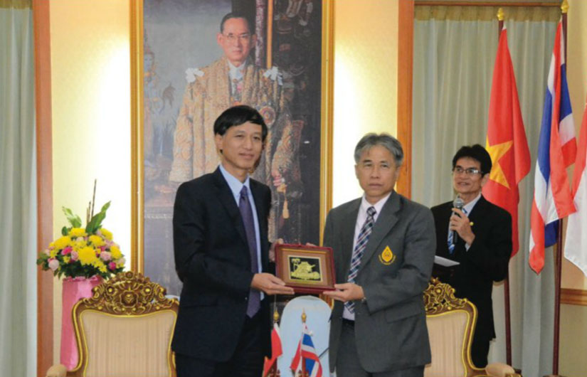 VIETNAM AND THAILAND, PARTNERS IN ASEAN
