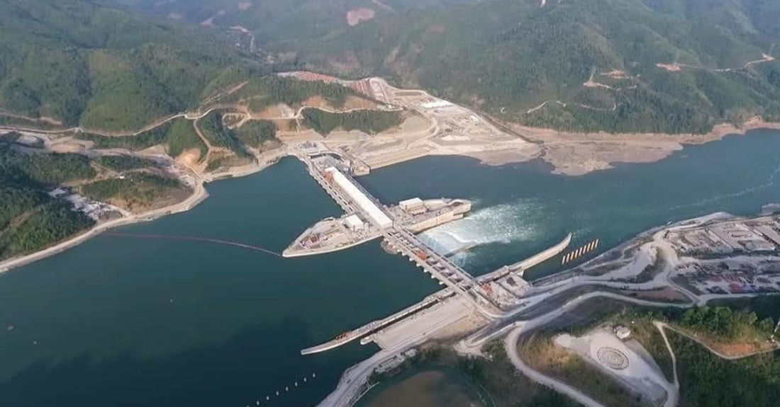 Xayaburi Dam Begins Sending Power to Thailand